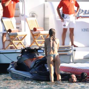 Joanna Krupa on jet ski