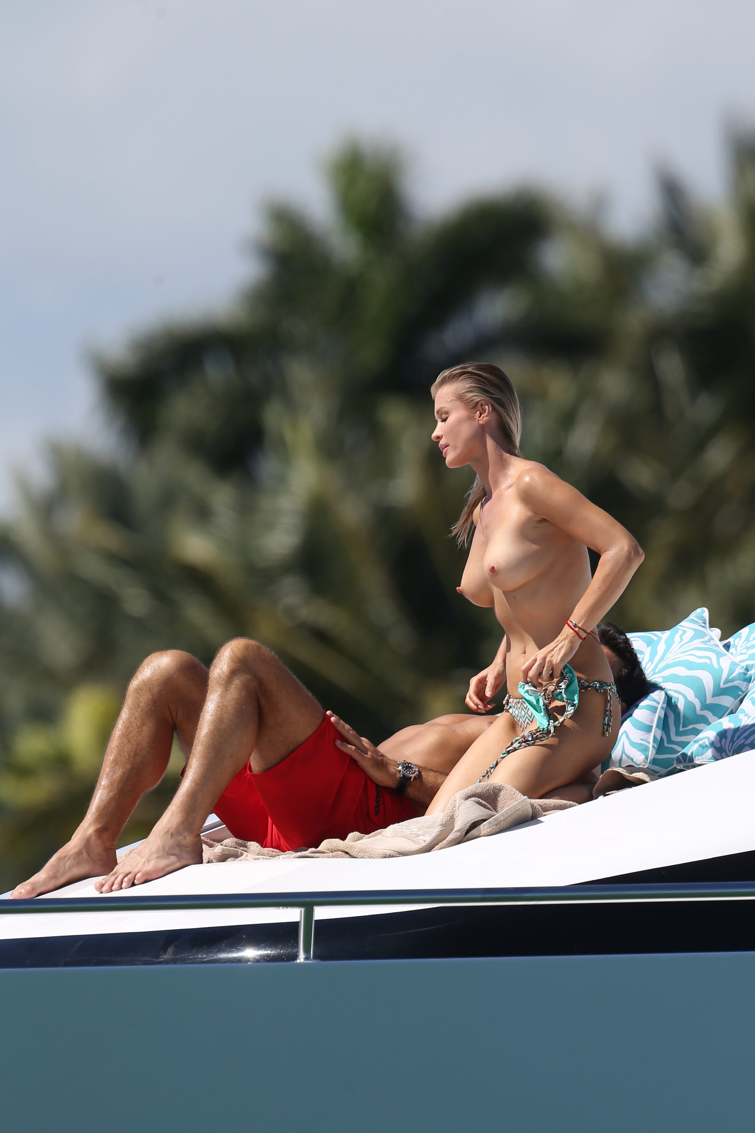 Sorry, not Topless housewives on boat have faced