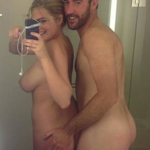 Kate Upton Selfie with Boyfriend