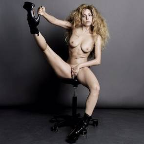lady gaga chair spread legs