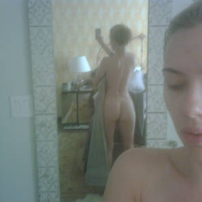 scarlett johansson ass in mirror