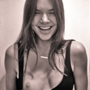 kendall jenner boob flash photo shoot enhaced pic