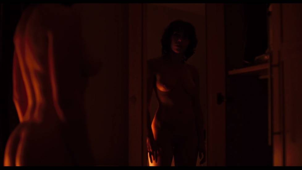 Scarlett Johansson Nude In Under The Skin Movie Preview Cover