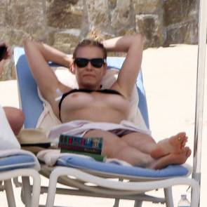 topless chelsea handler showing boobs in mexico