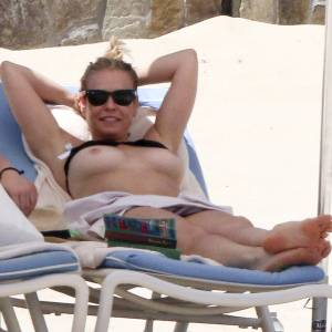 Chelsea Handler Topless On The Beach In Mexico