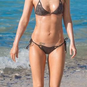 Megan Fox Sexy body in bikini