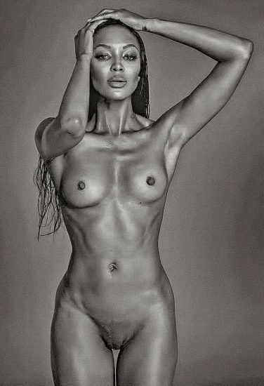Naomi Campbell NUDE Pics & Topless Sexy Images Collection 11
