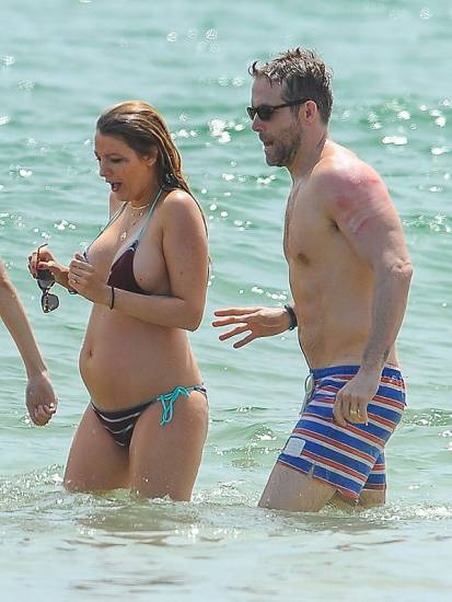 Blake Lively Baby Bump In tiny bikini