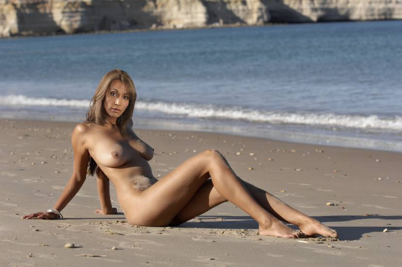 Rachel Luttrell Naked Images