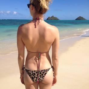 Yvonne Strahovski In Bikini On Beach Looking at horizon