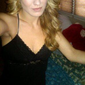 Yvonne Strahovski Nude Leaked Pics, Porn and Scenes 36