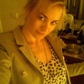 Yvonne Strahovski Nude Leaked Pics, Porn and Scenes 32