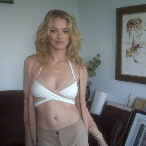 Yvonne Strahovski Nude Leaked Pics, Porn and Scenes 29