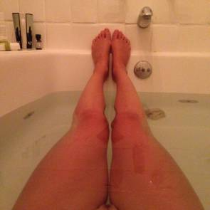 Yvonne Strahovski pussy and legs in water