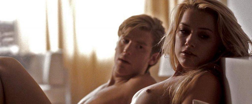 Amber Heard nude in sex scene