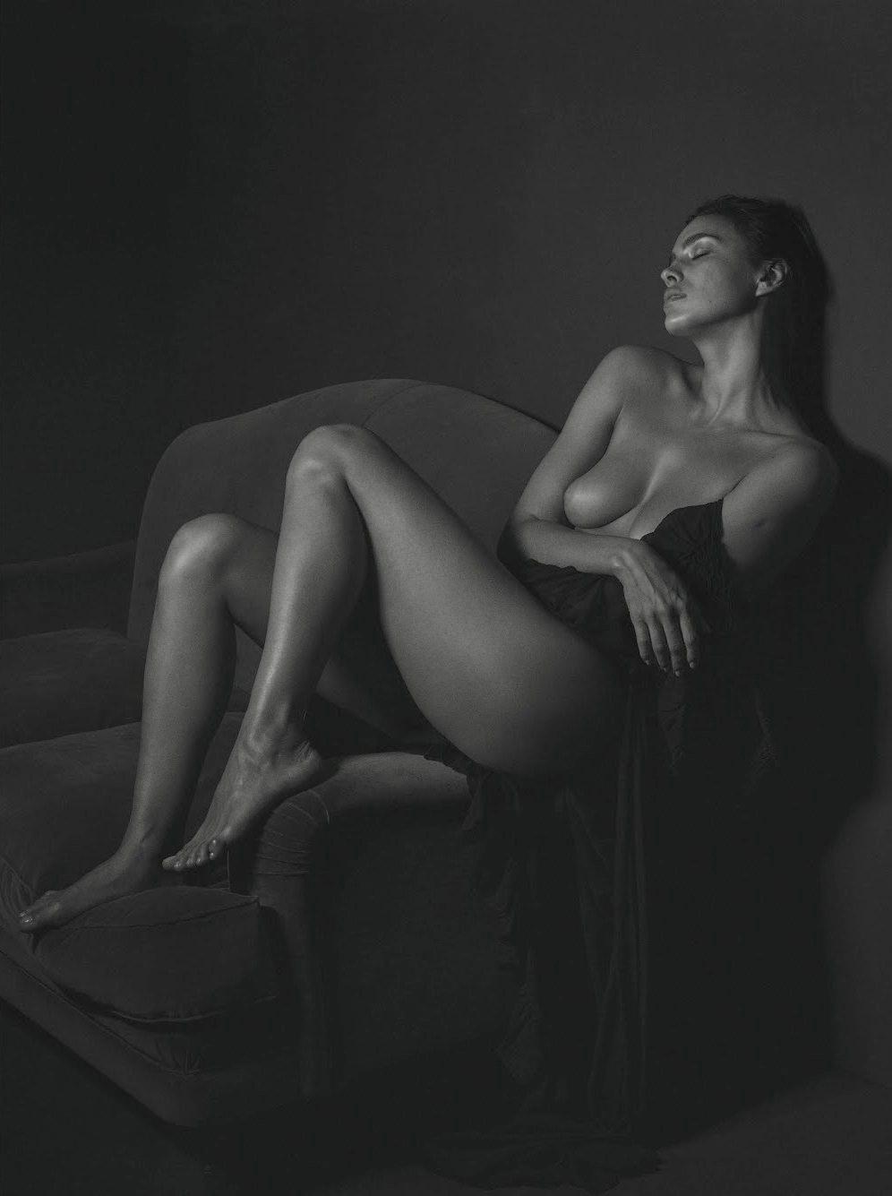 Irina shayk nude tits