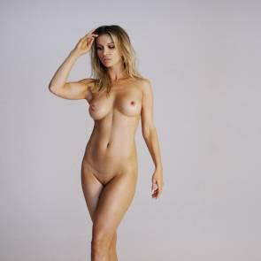 nude Kelly osbourne