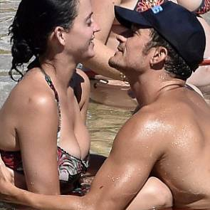 Katy Perry And Orlando Bloom Playing in shallows