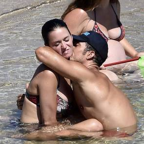 Katy Perry kissed on the neck