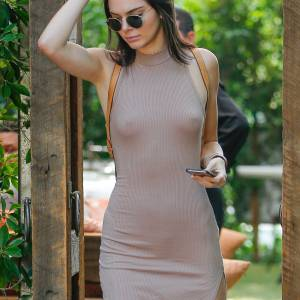 Kendall Jenner Braless Branch At Villa Restaurant