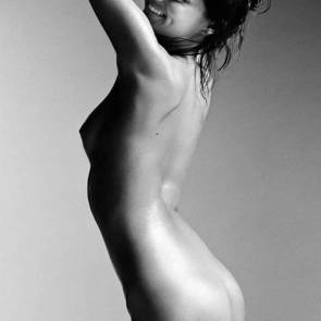Miranda Kerr completely naked for magazine