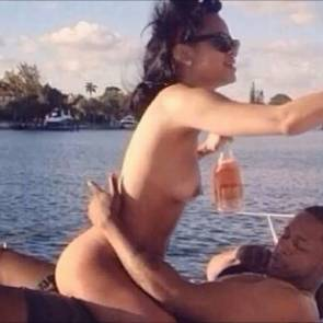 Rihanna Sex Tape Leaked From Her Phone