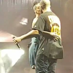 Rihanna And Drake Kissing On A Stage