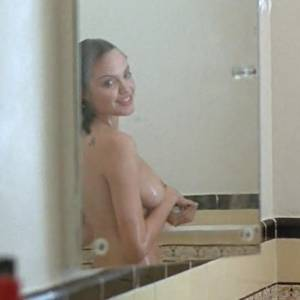 Angelina Jolie Boobs Under Shower In Mojave Moon Movie
