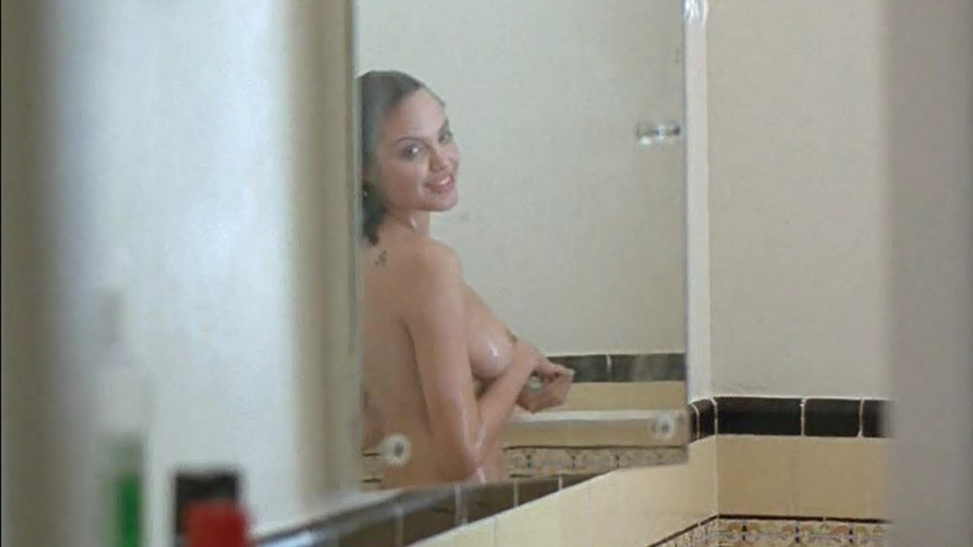 Anjelina jolie naked boobs apologise