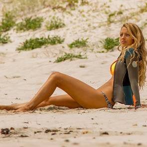 blake lively bikini behind the scenes for the shallows