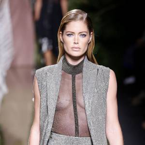 Doutzen Kroes Nipple Slip On The Runway In Paris