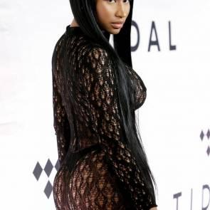 Nicki Minaj Posing Sexy