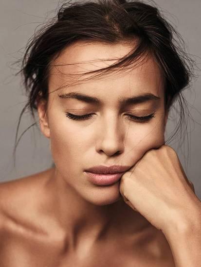 irina shayk face close up