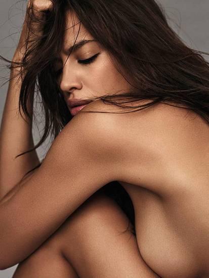 irina shayk naked and side boob