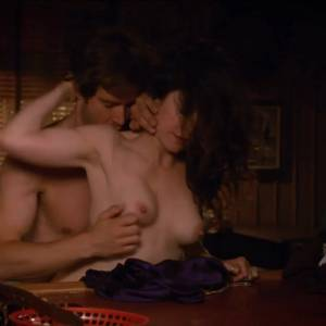 Mary-Louise Parker Nude Sex Scene In Weeds Series