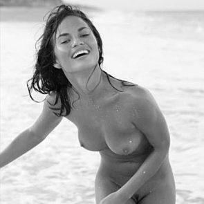Chrissy Teigen naked