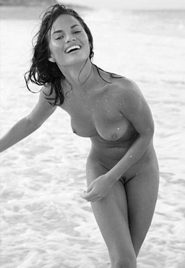 Christine nackt Teigen Chrissy Teigen
