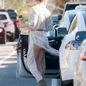 Kate Hudson Upskirt in LA
