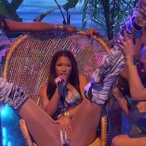 Nicki Minaj Provocative dancing