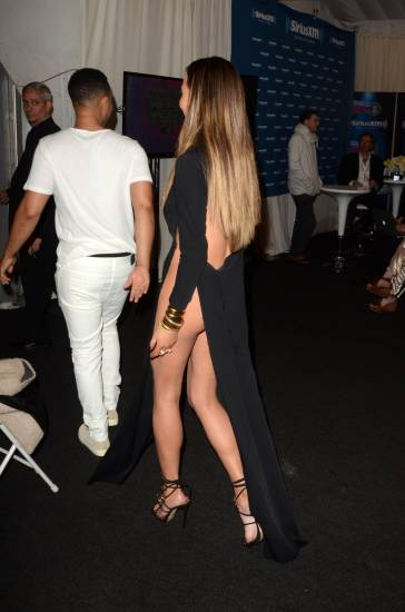 chrissy teigen from behind on american music awards