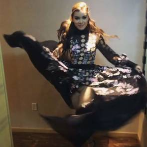 Pictures of hailee steinfeld fake
