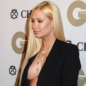 Iggy Azalea Braless On GQ Awards