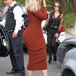 khloe kardashian ass from side on beverly hills