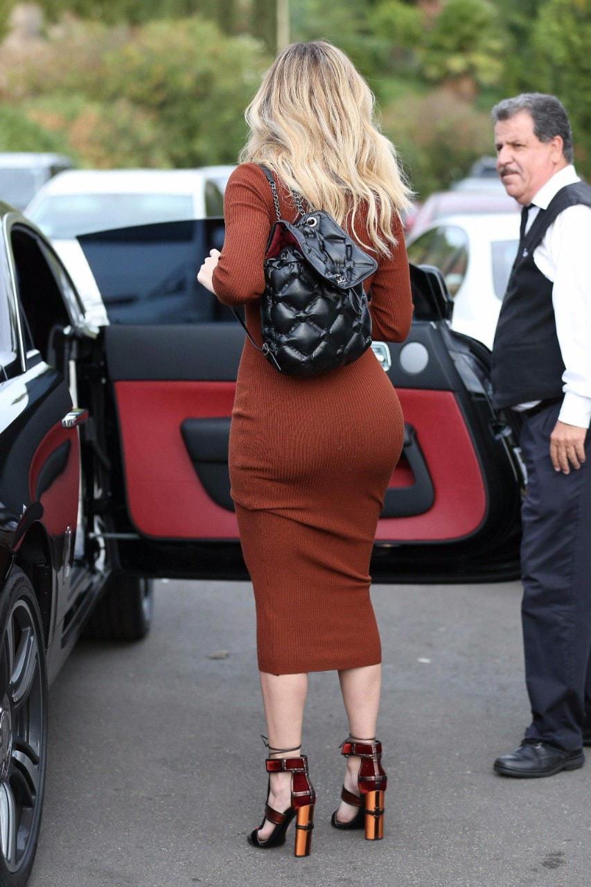 Khloe kardashian hard nipples