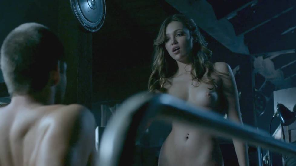 Lili simmons naked tits breast vagina