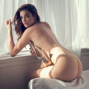 Barbara Palvin ass bant