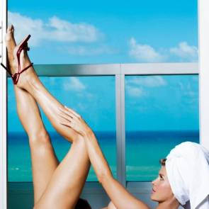 Joanna Krupa lying naked on the floor