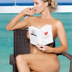 Joanna Krupa nipple peek