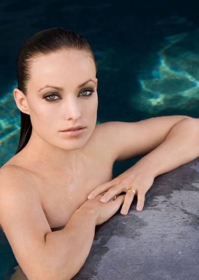 Olivia Wilde sexy in the pool