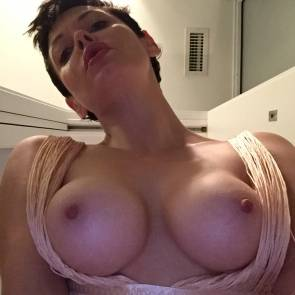 Rose McGowan tits popped out